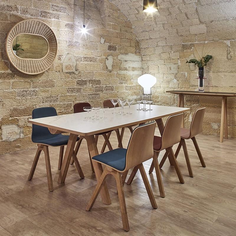 Table De Designer En Ceramique Et Bois De Fabrication Francaise Chevron Salle A Manger Bois Amenagement Salle A Manger Table Salle A Manger