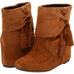 I've been eyeing these for a couple of week...but if I'm going to invest in moccasin boots, I don't know if I would rather them be tall...hmmmmm
