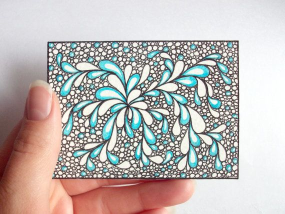 Zentangle - love the use of colour here, very minimalistic but very effective. This would make a good ceramic tile I think ;)