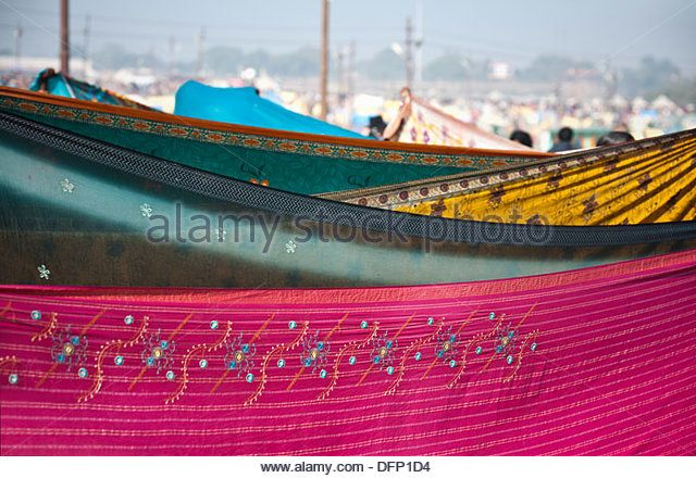 clothes-being-dried-at-maha-kumbh-allahabad-uttar-pradesh-india-dfp1d4.jpg (640×440)