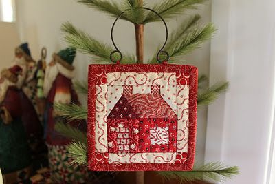 patchwork house ~ mini hanging