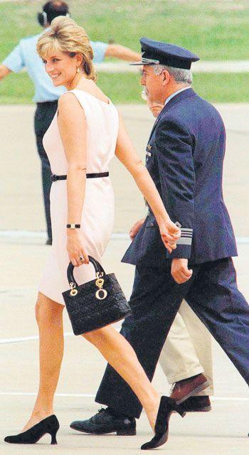 lady dior bag carried by princess diana