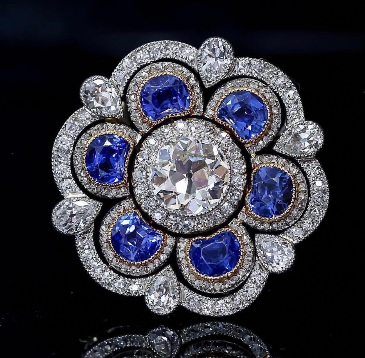 96dc7f5d0 Beautiful Brooch✨ #diamondbrooch | jewelry in 2019 | Gold brooches ...