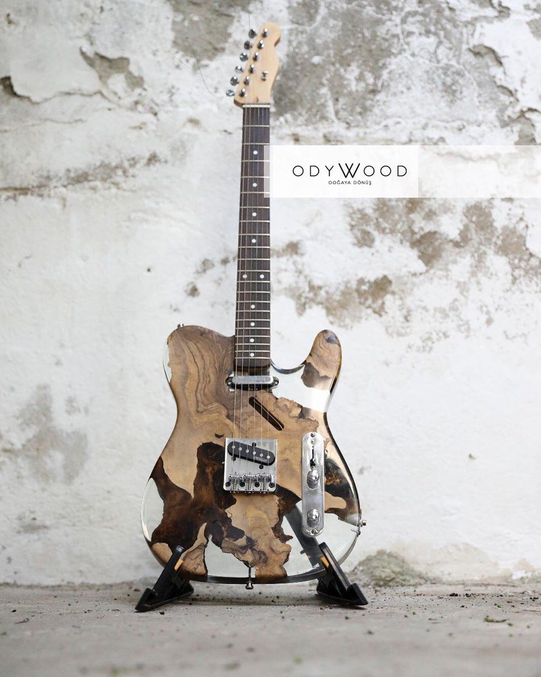 Epoxy Resin Custom Telecaster Guitar In 2020 Resin Furniture Custom Guitar Guitar