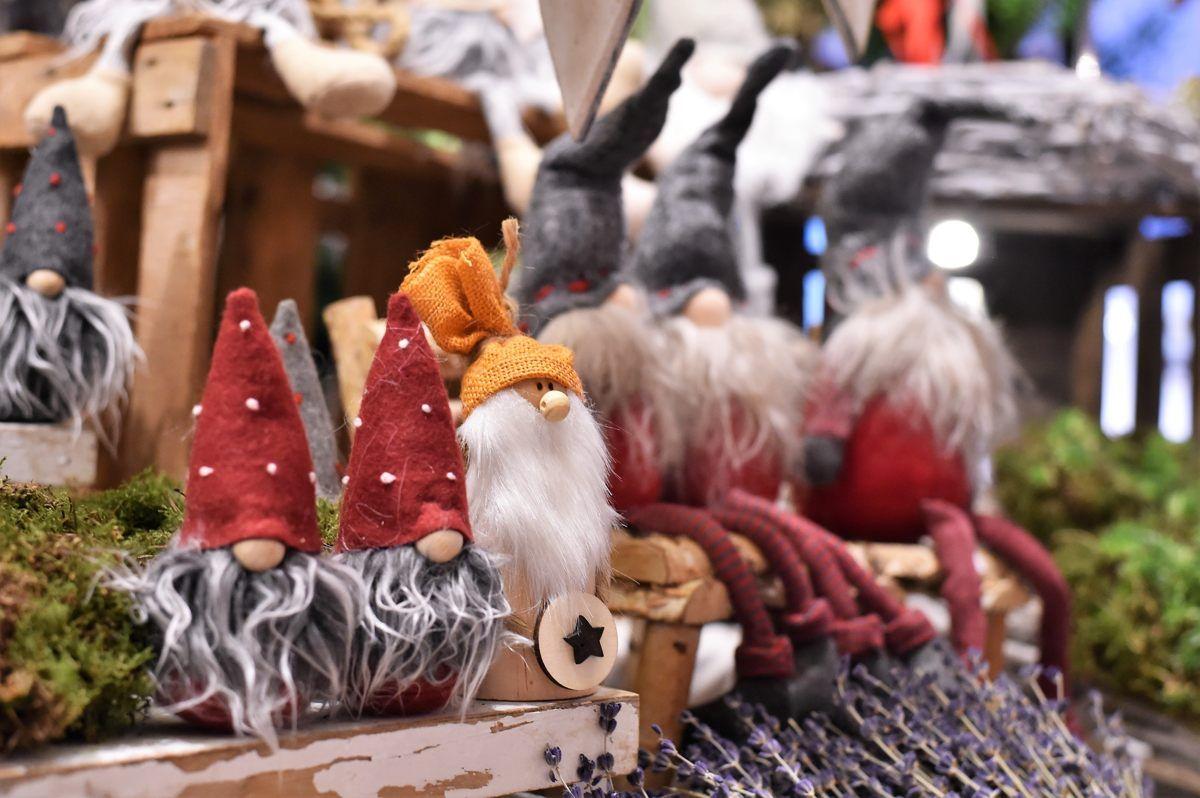 Der Weihnachtsmarkt Auf Dem Scholtenhof In Dinslaken Weihnachtsmarkt Verkaufsstand Markt
