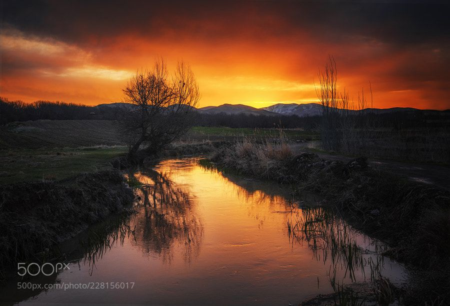 sunset by syounesi1214 #Landscapes #Landscapephotography #Nature #Travel #photography #pictureoftheday #photooftheday #photooftheweek #trending #trendingnow #picoftheday #picoftheweek