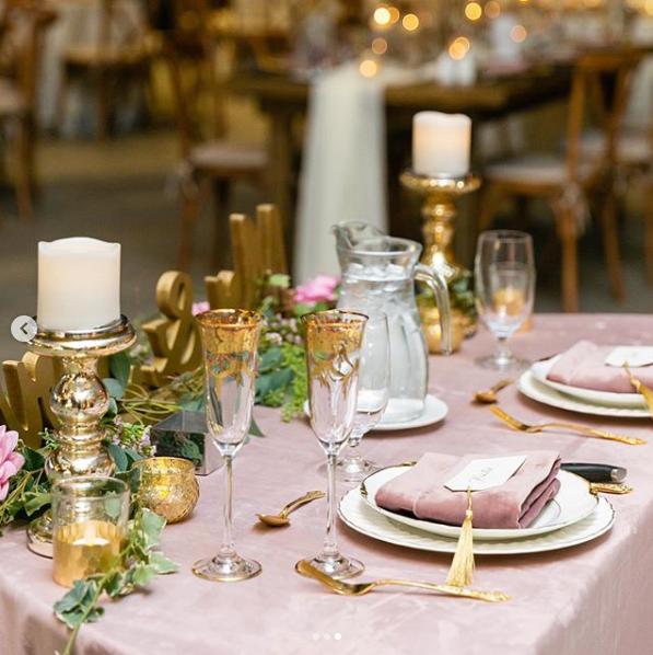 Rose Quartz Velvet Table Linen In 2020 Wedding Table Linens