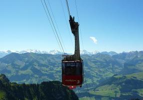 Erlenbach im Simmental, Berner Oberland am Fusse des Stockhorns einer der schönsten Ausflugsziele der Innerschweiz. http://chlydorf-beizli.ch