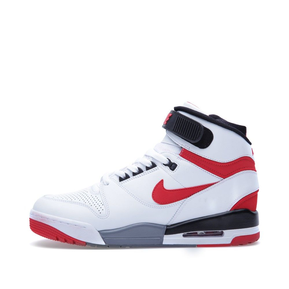 5bda8df62cbac3 first nike ball shoe with a visible air bubble