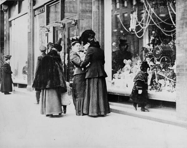 ca.1910's -1980's . In decades gone by, Clevelanders flocked to downtown for holiday shopping and fantastic Christmas displays.