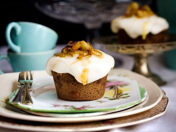 Madeira Cakes Recipe with Cream Cheese Icing and Toffee Pears - Viva