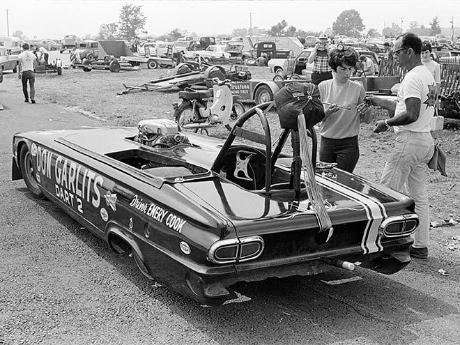 Emory Cook And Family Prep The Don Garlits 1966 Dart 2 Ultra Stock