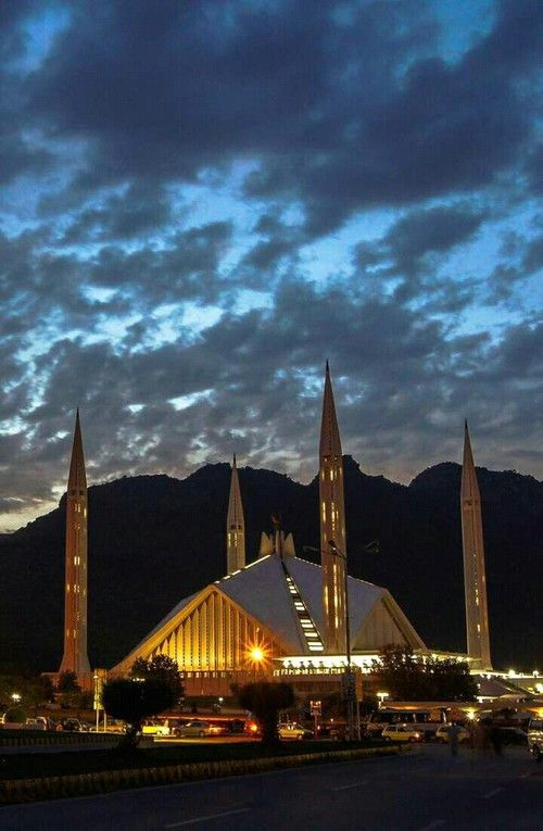 Faisal mosque,Islamabad,pakistan😍 discovered by S & S