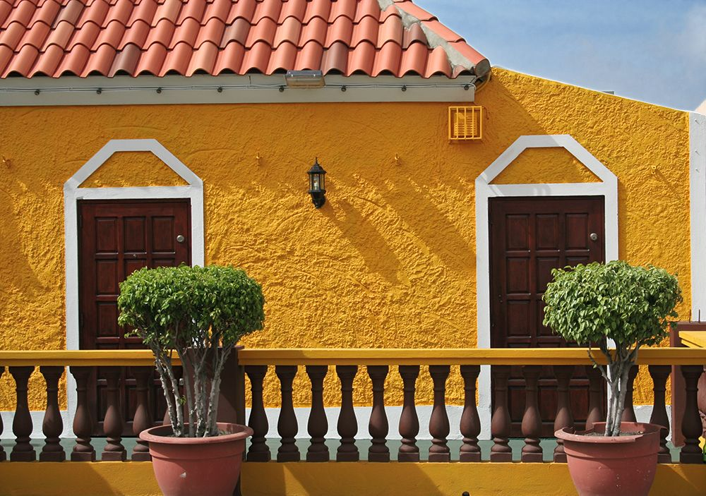 yellow stucco house curacao maison au stuc jaune cura ao mes photos guy my photos. Black Bedroom Furniture Sets. Home Design Ideas