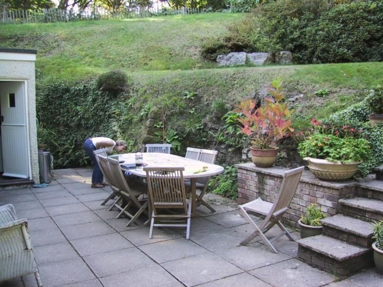 Moderne Garten Mit Terrassen Und Tribunen 50 Designs Neueste Dekor Abschussiger Garten Moderner Garten Garten