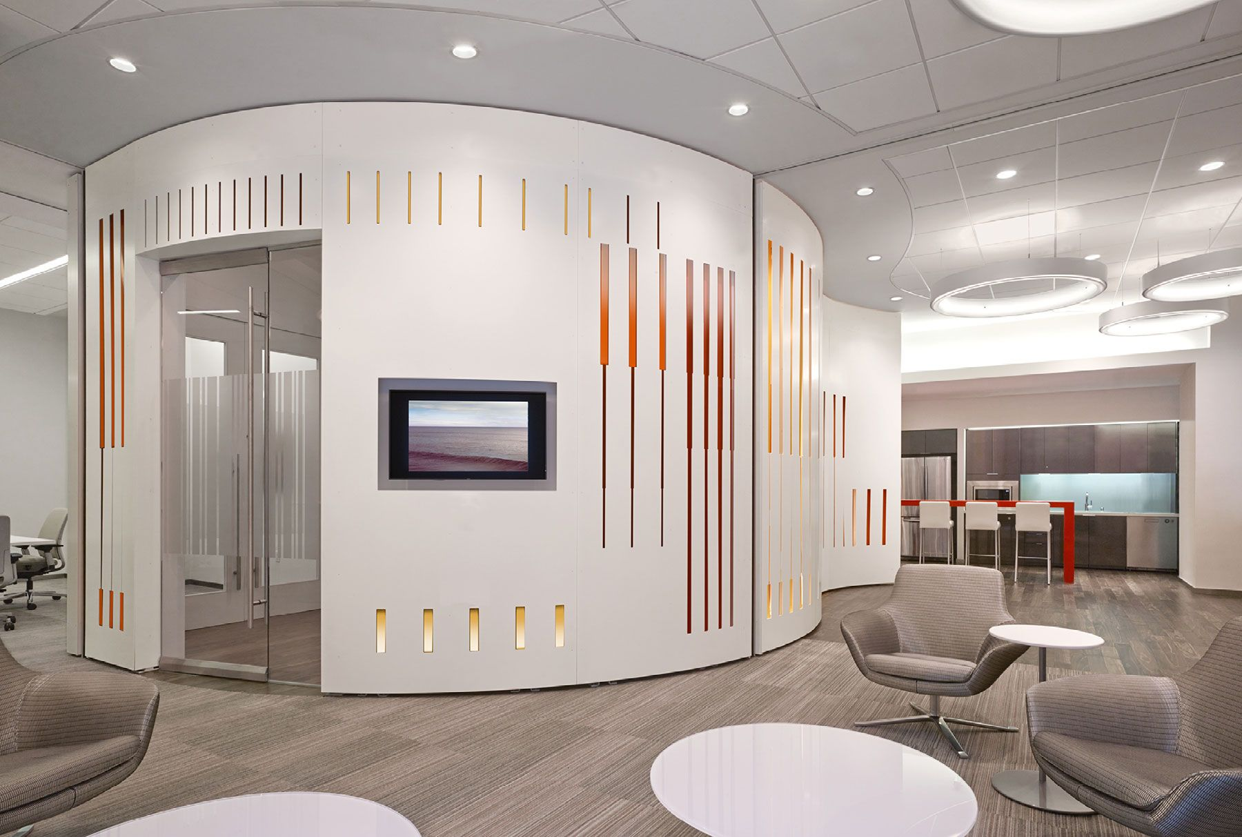 How to create a feature wall with photos - Solutions Studio Worked With Aecom La To Create A Feature Wall In The Lower Lobby Of