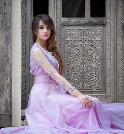 Nouveau mod les du caftan marocain moderne en couleur rose for Caftan avec satin de chaise