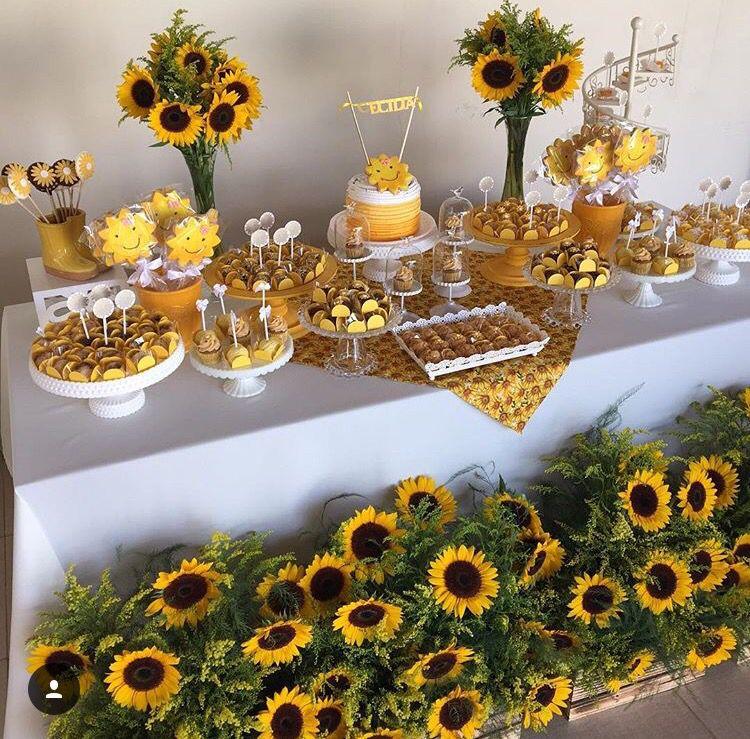 Sunflower Garden cake B'day cakes ideas in 2019 Party, Sonnenblumen, Blumendekoration -> Decoração De Festa De Aniversario Girassol
