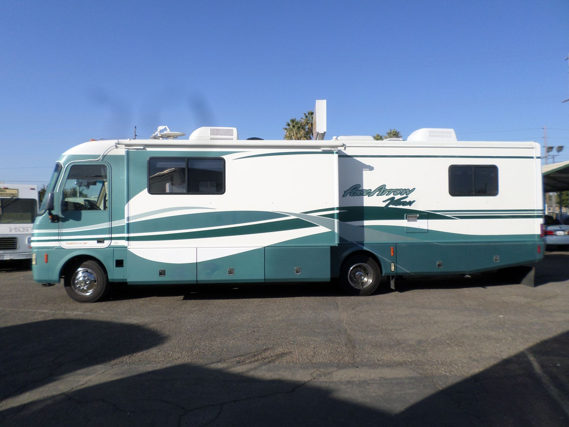 Rv For Sale 2000 Fleetwood Pace Arrow Vision 34 In Lodi Stockton Ca Rv For Sale Fast Sports Cars Used Rv For Sale