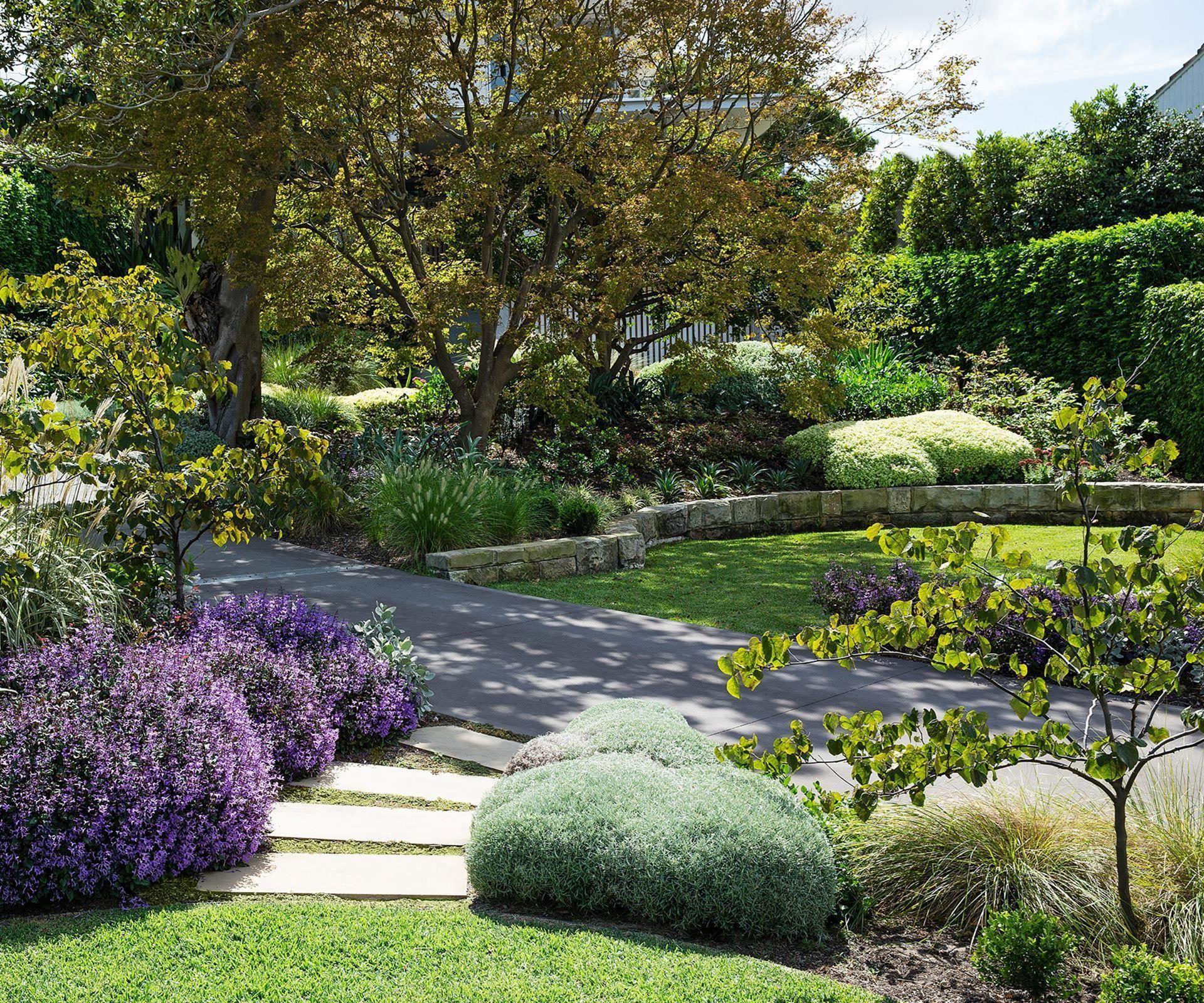 Beautiful Front Yard Ideas 507 | Sloped garden, Front yard ...
