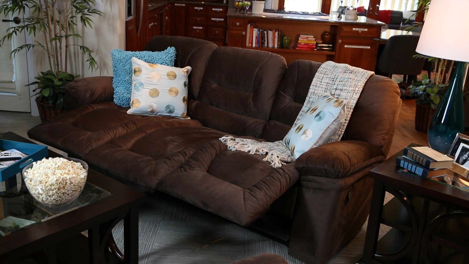 Make your house the favorite with our Dawson leather sectional