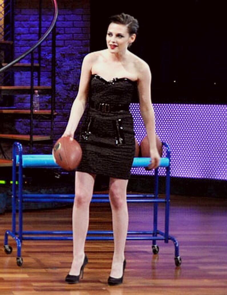 Kristen   Fashion, Strapless dress, Kristen stewart