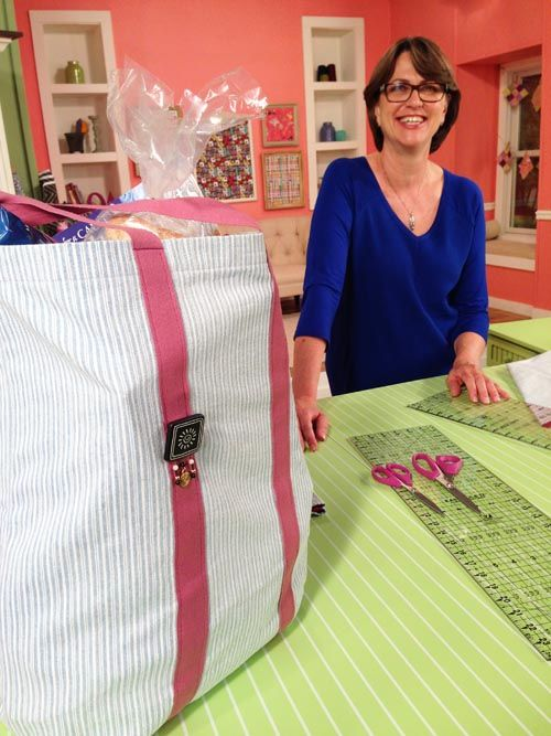 Kristine Lundblad shows viewers how to make easy fabric grocery ... : tv quilting shows - Adamdwight.com