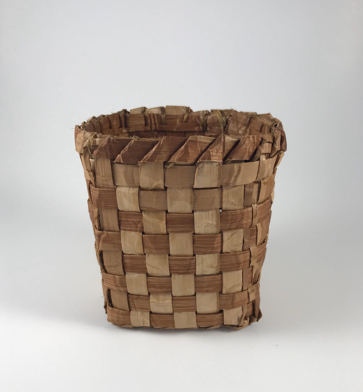 Cedar bark basket house decoration gift for nature