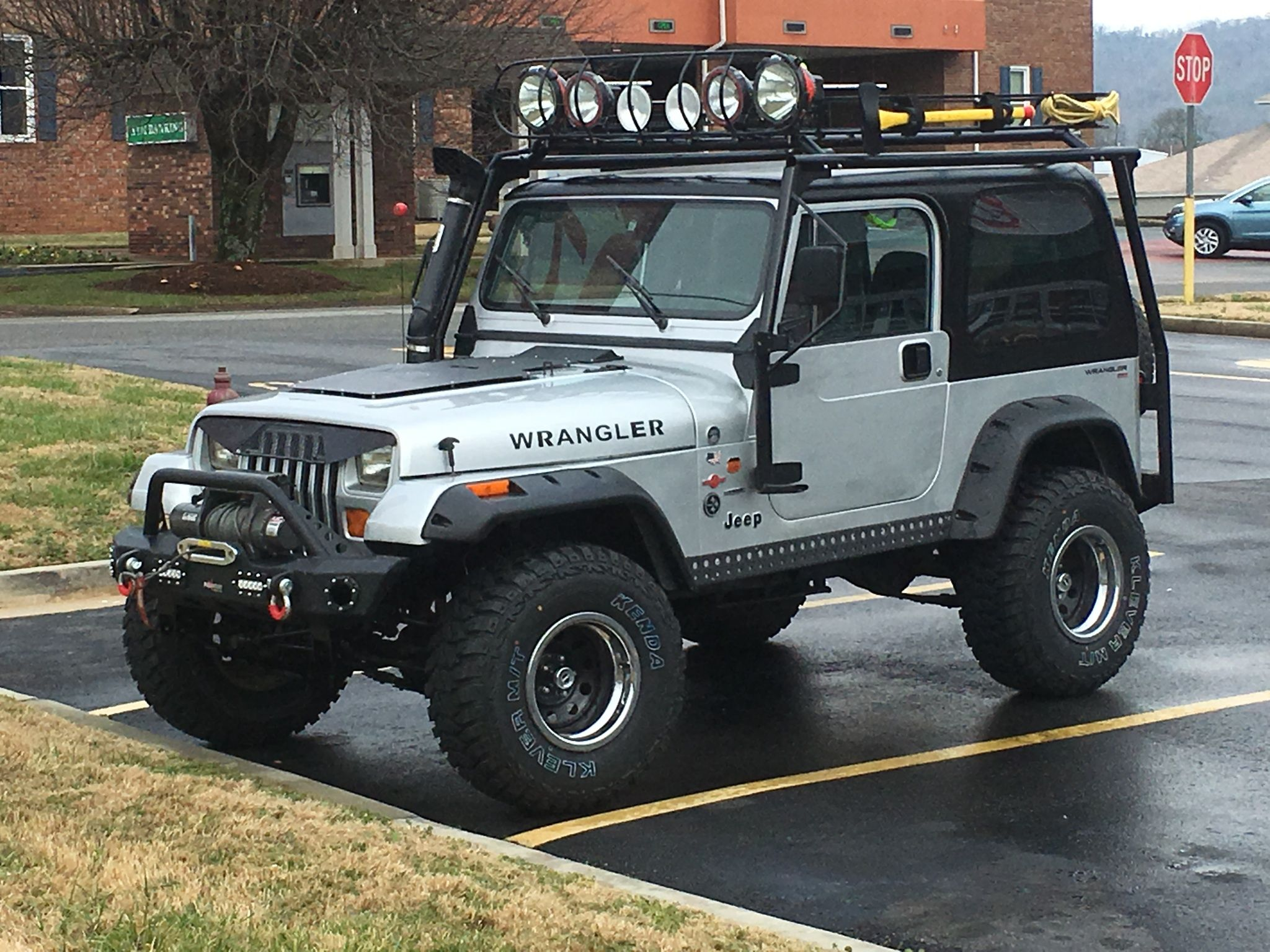 1992 Jeep Wrangler 4 0 Ho 4 1 2 Rough Country Lift Shackle Reversal 33x12 50 S Expedetion Rack And Spare Tire Carr Jeep Yj Jeep Wrangler Jeep Wrangler Yj