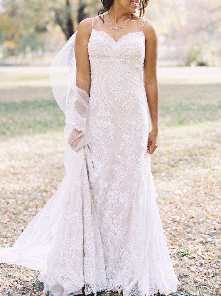 Bride in lace wedding dress | fabmood.com #fallwedding #weddingdress #lace #wedding