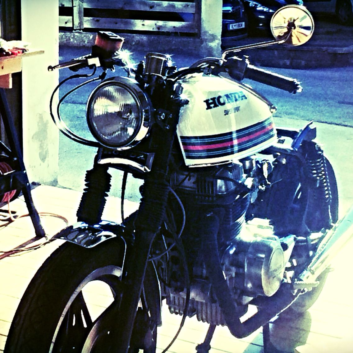 1980 Honda Cm400t Motorcycle Design Motorbikes Cafe Racer [ 1136 x 1136 Pixel ]