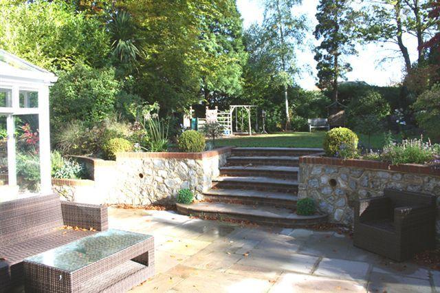 Bi level landscaping garden inspiration pinterest for Garden design ideas for different levels
