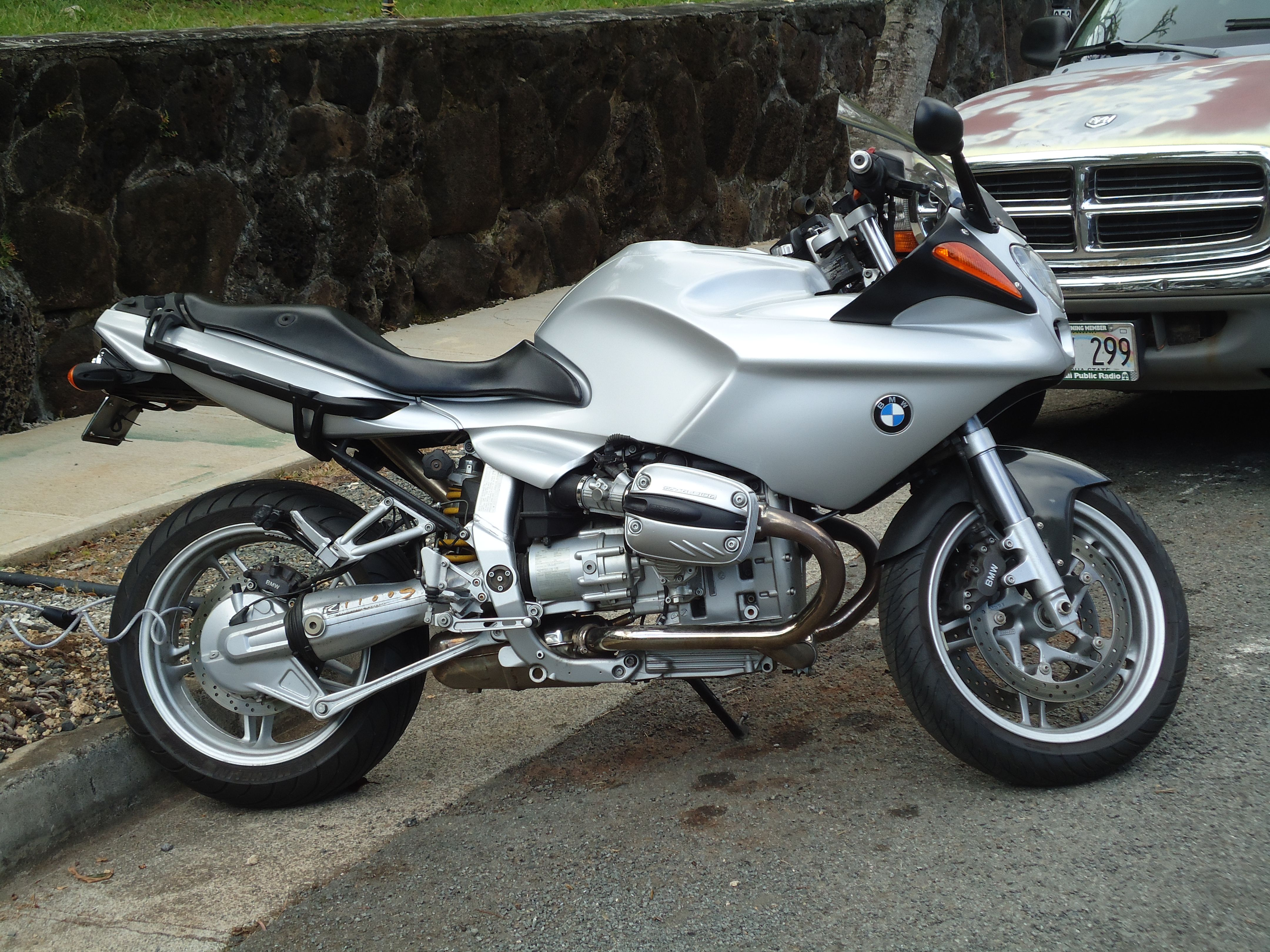 my 2002 bmw r1100s not traditional cafe but a boxer prep. Black Bedroom Furniture Sets. Home Design Ideas