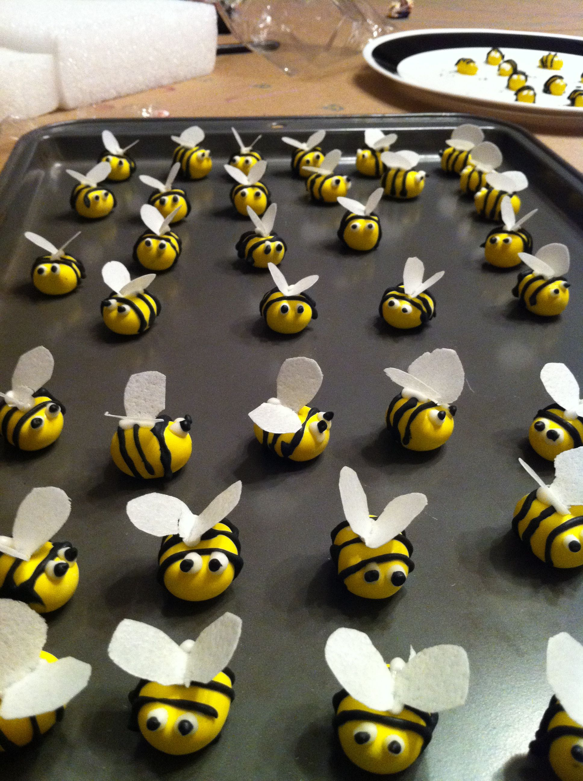 These Are Candy Bees For Cupcake Decorations But I Think Would Tweak This And