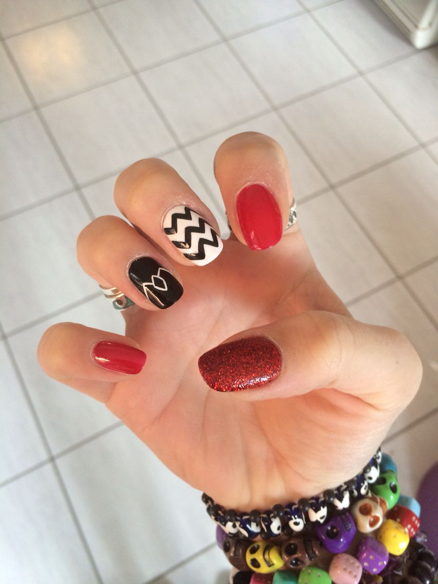 My awesome Twin Peaks nails | I <3 nail art | Pinterest | Hair ...