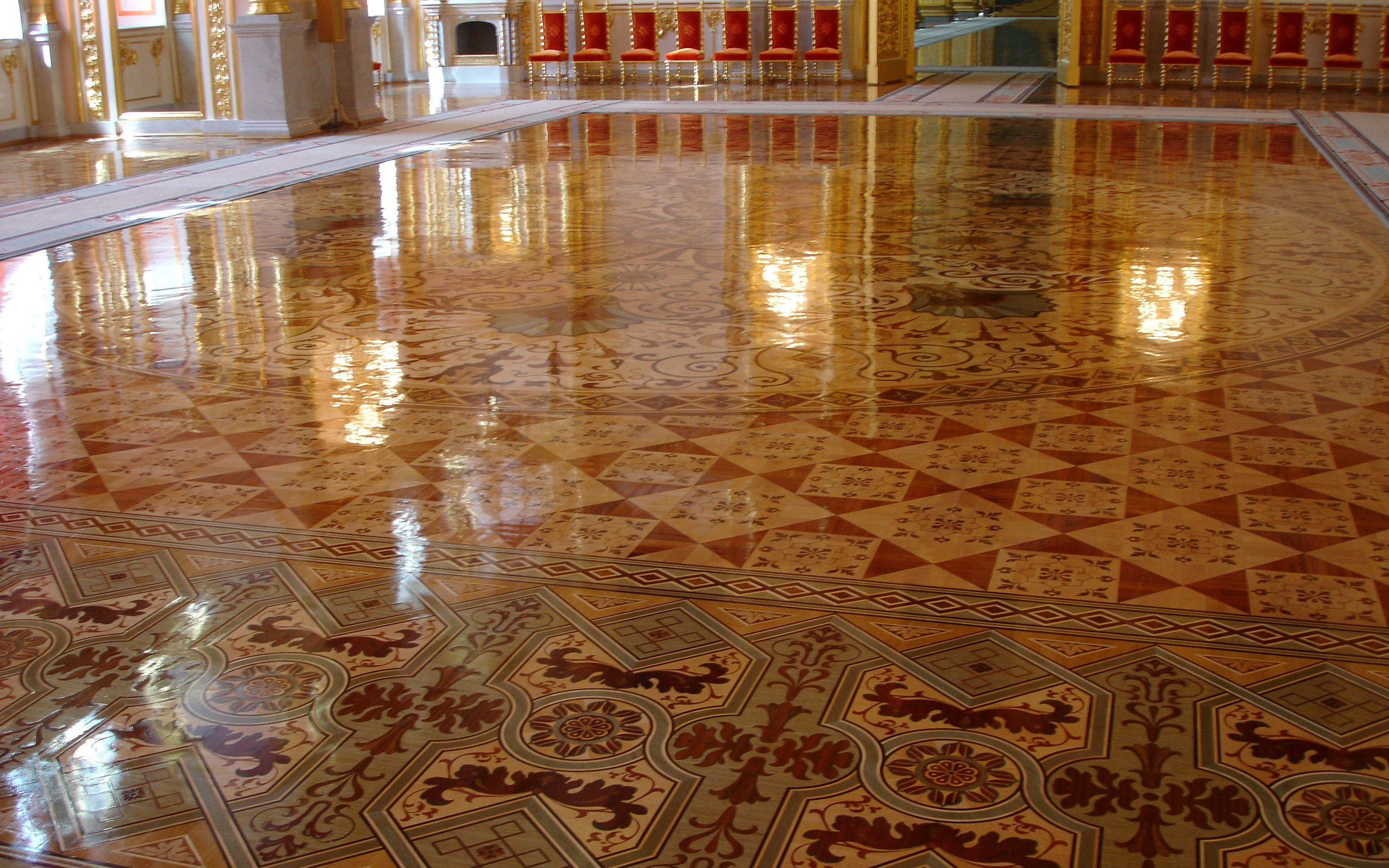 Berti pavimenti legno intarsio laser palazzo del for Berti parquet