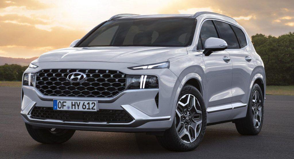 Hyundai Details The Santa Fe S New Hybrid And Plug In Hybrid Powertrains Carscoops In 2020 Hyundai New Hyundai New Hyundai Santa Fe