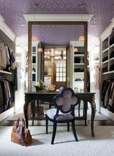 Closet    by Liz Caan Interiors LLC
