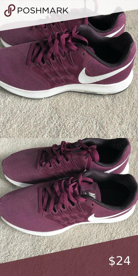 NIKE running sneakers Maroon/wine