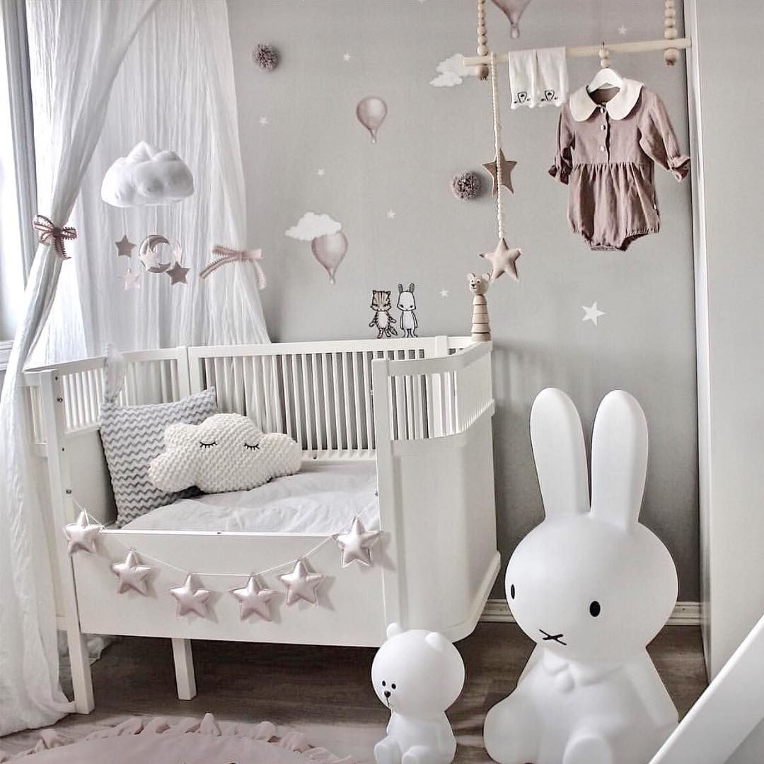 Madchenzimmer In Grau Altrosa Baby Room Decor Nursery Baby Room Baby Room Design