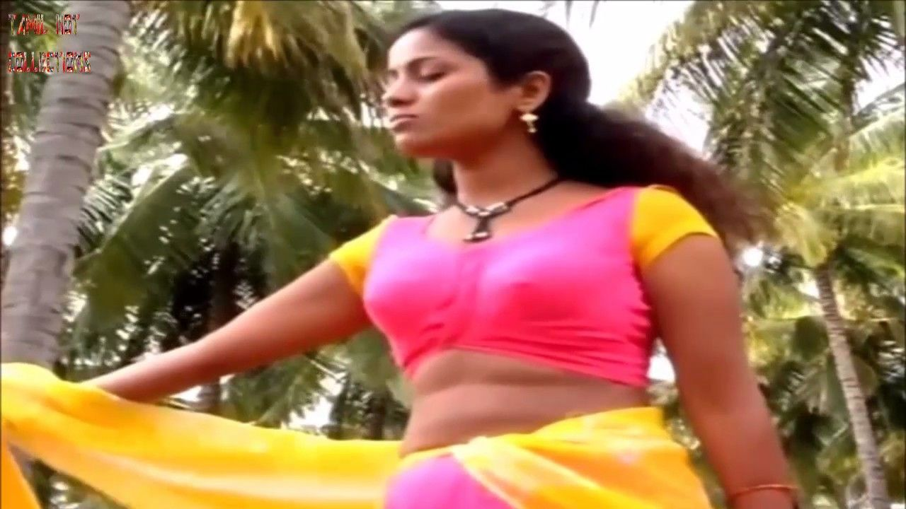 back sexy scene of sexy girl in saree