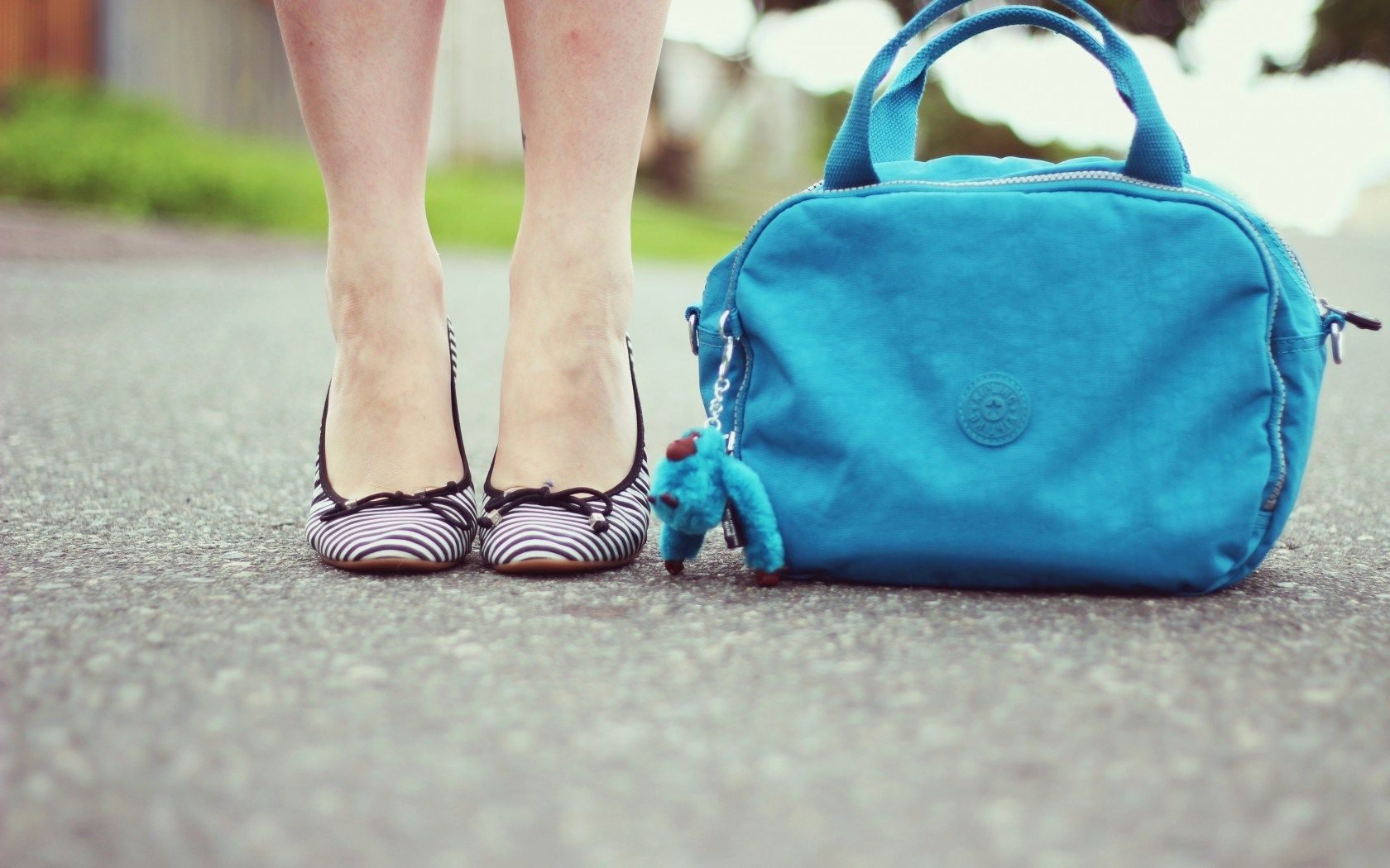 Shoes Handbag Hd Wallpaper Freehdwalls
