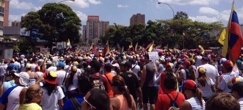 Marcha de estudiantes rumbo a #Petare #4M pic.twitter.com/xtUCMIBVyY