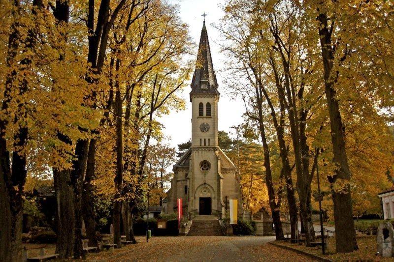 Pfarrkirche weissenbach an d Triesting-kirchenplatz-point de vue-wi -herbst - Tiefenwirkung – Wikipedia