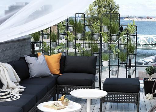 Socker la serie de ikea para tus plantas y jard n nuevas macetas soportes colgadores y - Ikea terraza y jardin ...