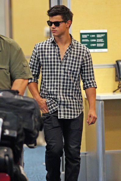 8784ec7f1e Taylor Lautner Lookbook  Taylor Lautner wearing Wayfarer Sunglasses (6 of  9).