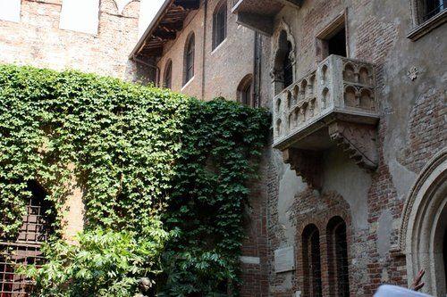 A varanda de Giulieta em Verona, Itália