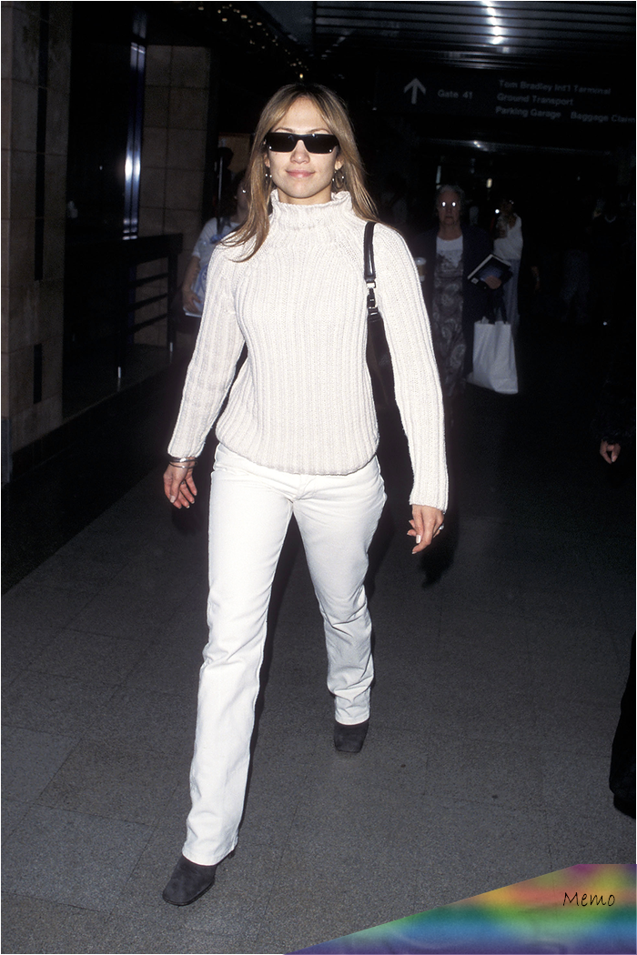 Apr 27, 2020 - We've uncovered the very best celebrity airport style moments from the '90s and they'