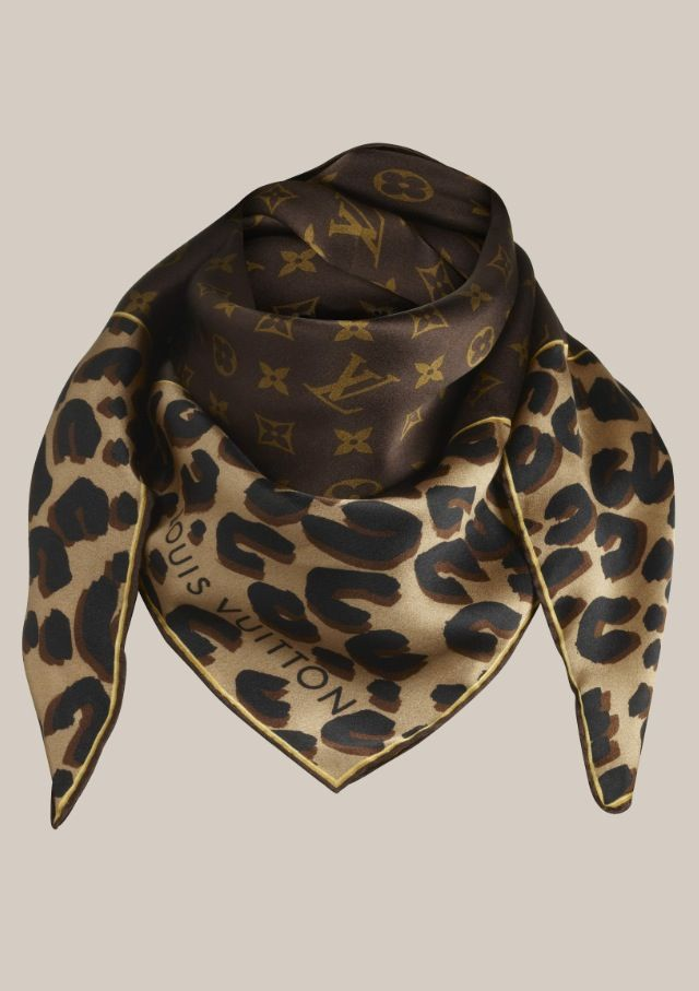 Louis Vuitton scarf   LV   Pinterest   Foulards, Léopard et Écharpes d202a464fd8