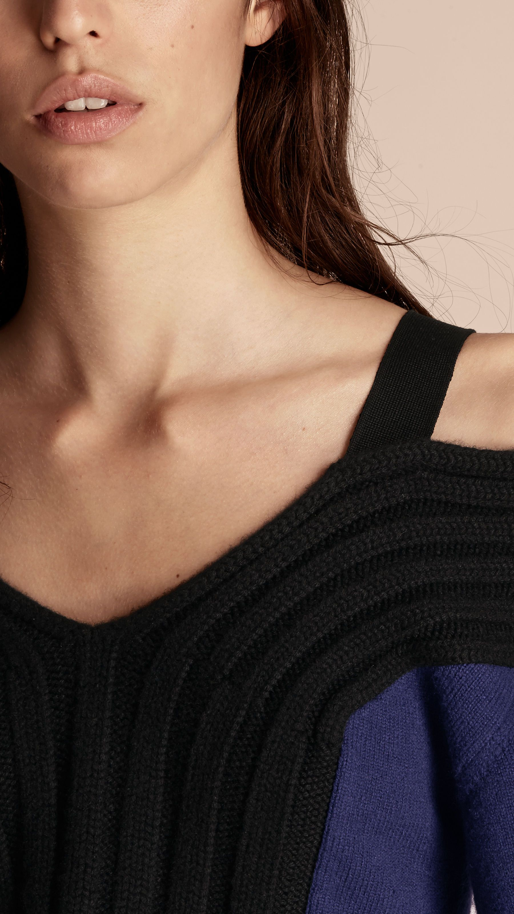 Off-the-shoulder Wool Cashmere Sweater Navy/black | Burberry